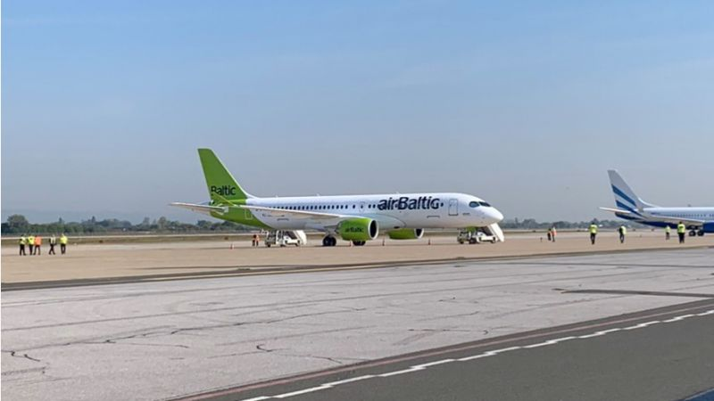 Airbus A220 YL-ABD