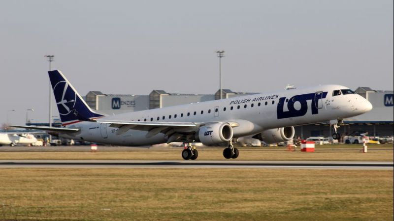 LOT Polish Airlines Embraer ERJ-195